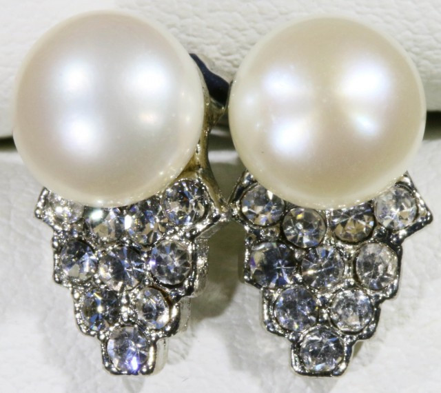 8 mm Ivory Natural Fresh water Pearl Earrings PPP 1224