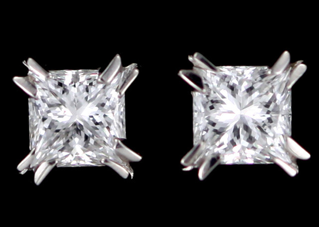 0.20 cTS Australian 18ct Gold Classic Diamond Earrings .20 ct JAO46