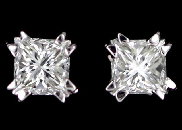0.30 Cts Australian 9ct Gold Classic Diamond Earrings .30 ct JAO44