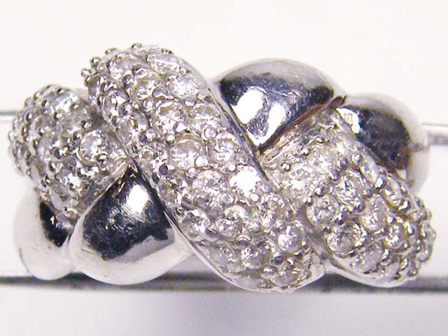 i Cts of 59 Briliant cut Diamonds in Platinum Ring size 6    RT1794