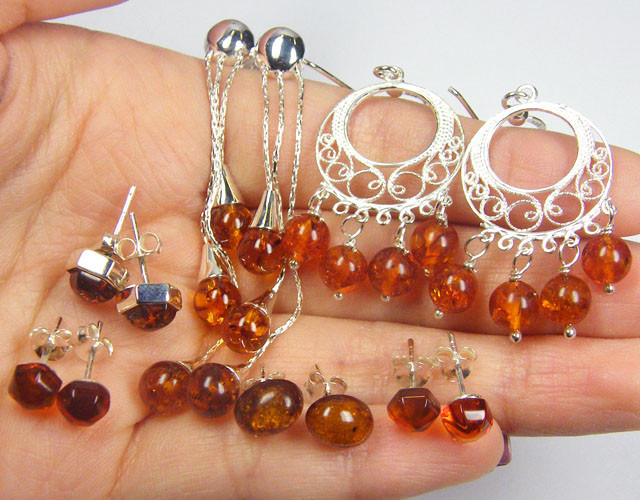 SIX NATURAL  BALTIC AMBER SILVER EARRINGS 78 TCW MYG 1083
