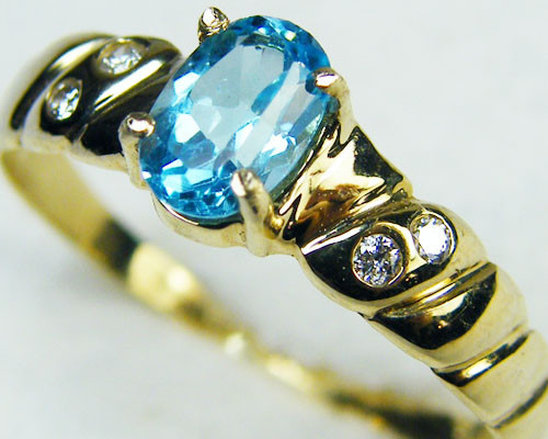 BEAUTIFUL BLUE TOPAZ 14K YELLOW GOLD RING SIZE 6.5 MY232