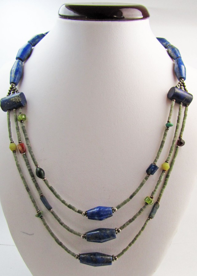 BLUE LAPIS LAZULI  &   SERPENTINE BEADS NECKLACE MJA 1154