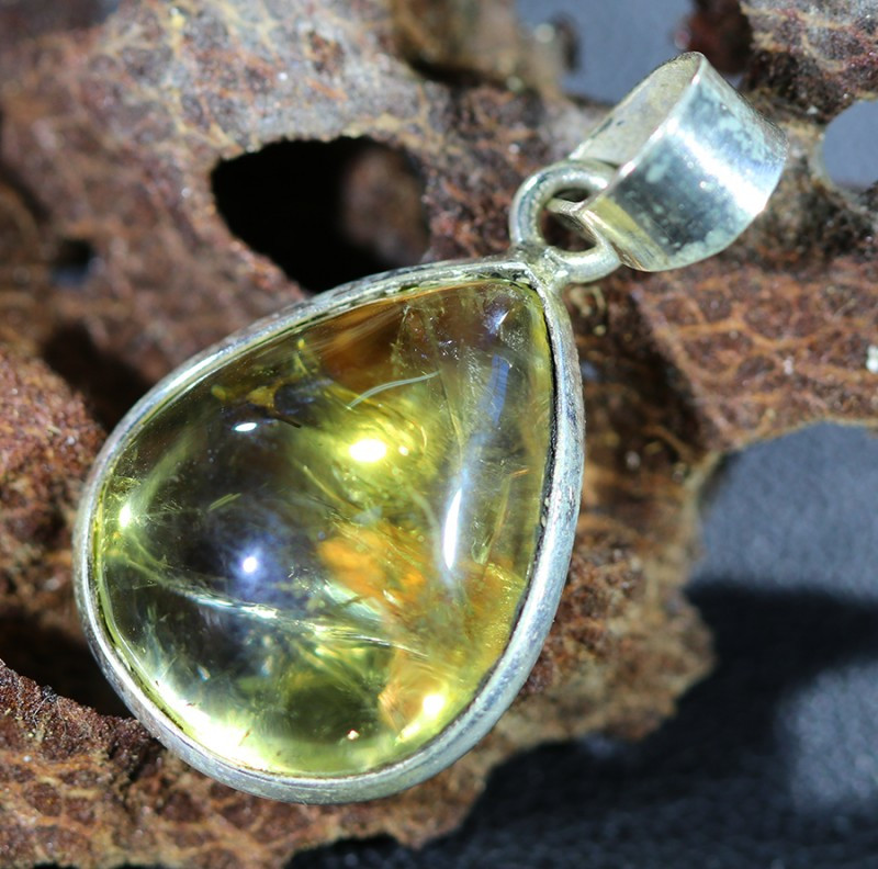 Beautiful natural Cabochon Citrine Pendant SU1001
