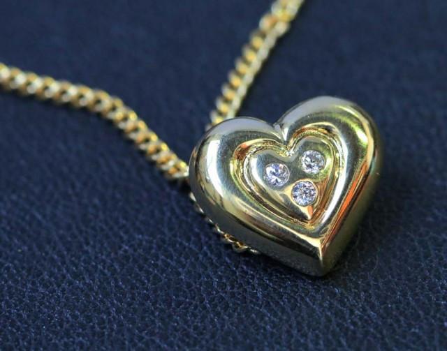 Heart shape pendant ,diamonds 18k gold LGN950