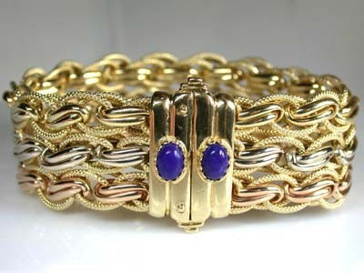 18K ITALIAN GOLD BRACELET WITH , 19CM LONG 46.6 GRAMS L380