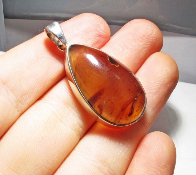 INDONESIAN AMBER PENDANT -SILVER [SJ4486]