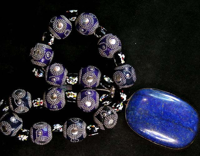 ATTRACTIVE  OLD TRIBAL LAPIS NECKLACE STRAND 11 176