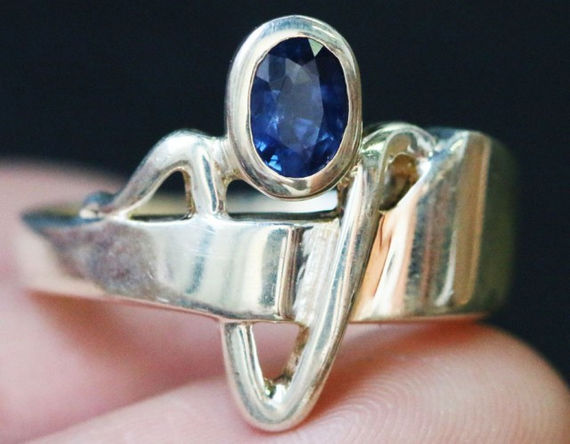 Natural Sapphire in Silver Ring Size 7.25 BU