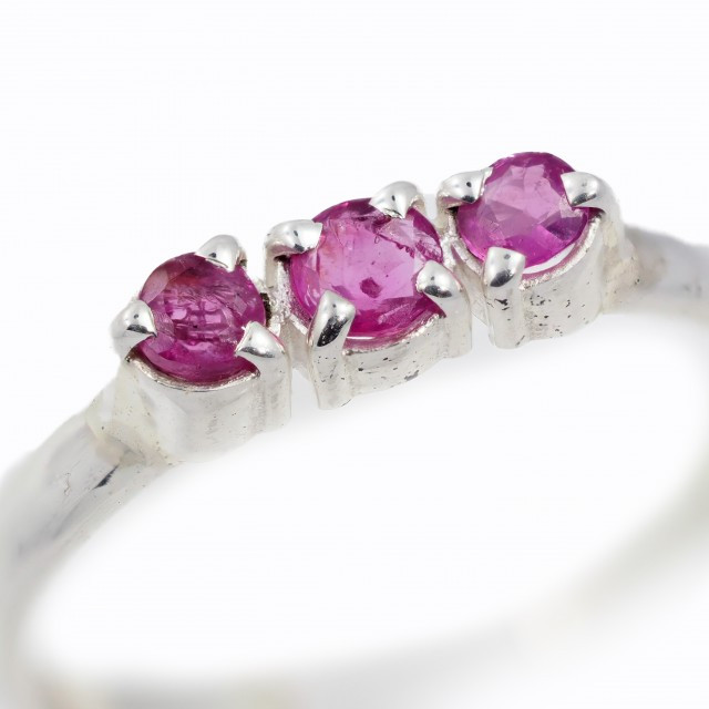 SIZE 9 PINK AUSTRALIAN SAPPHIRES SET IN SILVER RING [SJ4514]