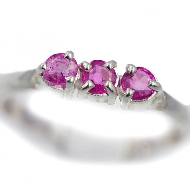 SIZE 8 PINK AUSTRALIAN SAPPHIRES SET IN SILVER RING [SJ4523]