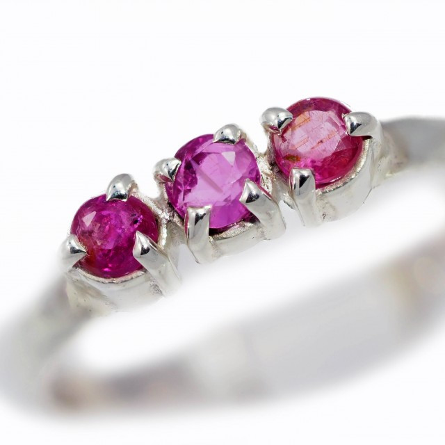 SIZE 8 PINK AUSTRALIAN SAPPHIRES SET IN SILVER RING [SJ4524]