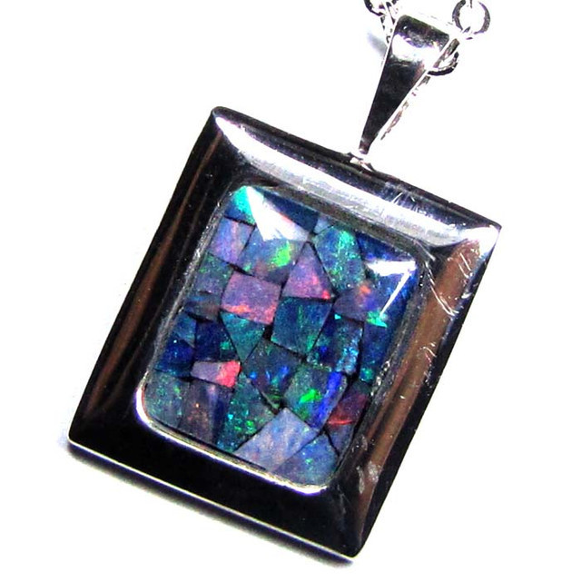 MOSAIC TRIPLET SILVER PENDANT 0.90 CTS MYG 1270