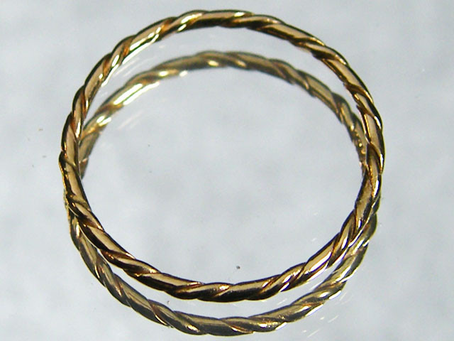 .66 grams ENGLISH MADE 9K TWISTED GOLD WIRE RING SIZE 7 CO800