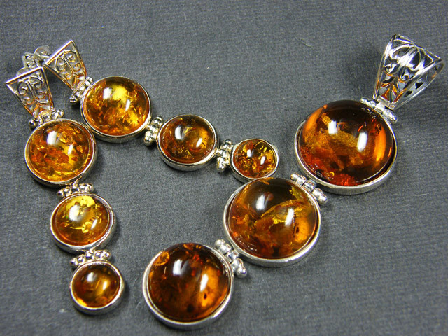 BALTIC AMBER SILVER PENDANT AND EARRING TCW 105 MYG381