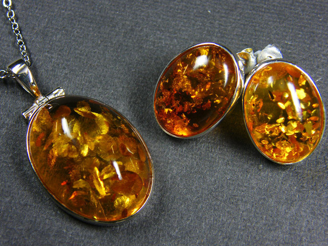 BALTIC AMBER SILVER PENDANT AND EARRING TCW 49.7 MYG305