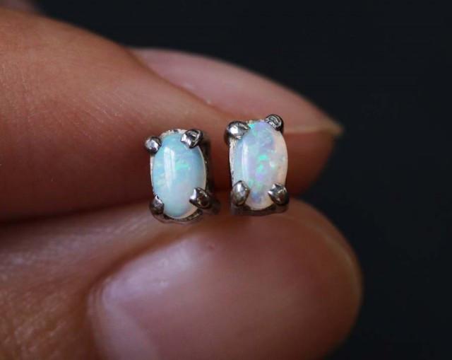 Natural solid crystal opal earrings set in silver BU 1155