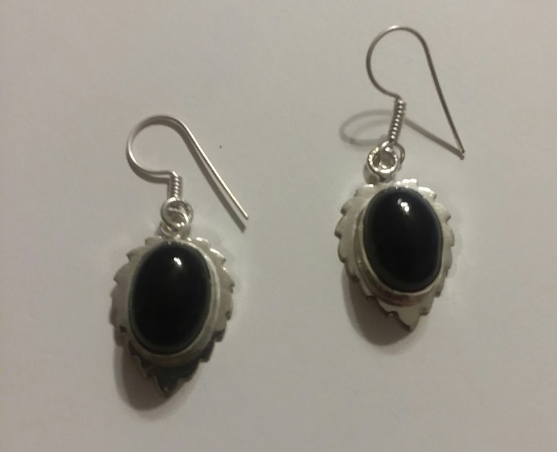 NATURAL ONYX EARRINGS WITH 925 SS HOOK HANGERS