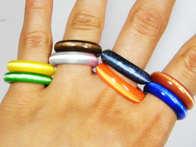 100 RESELLERS DEAL MIX COLOURED 100 CATS EYE RINGS AAT 814