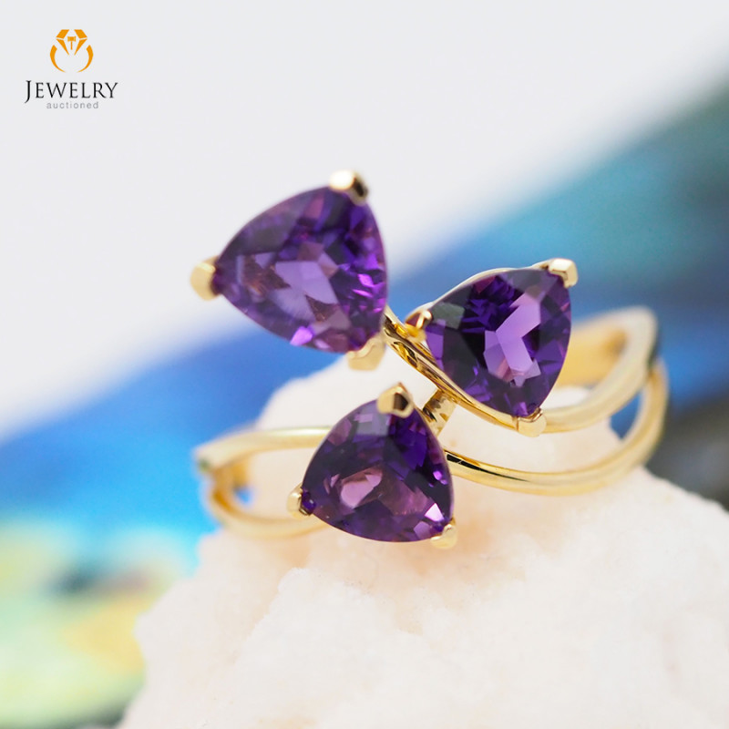 14 K Yellow Gold Amethyst Ring size 7 A R1058 3600