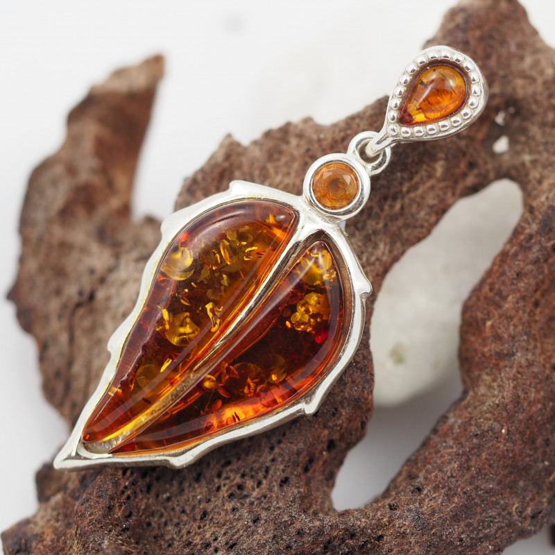 Baltic Amber Silver Pendant , direct from Poland  AM 562