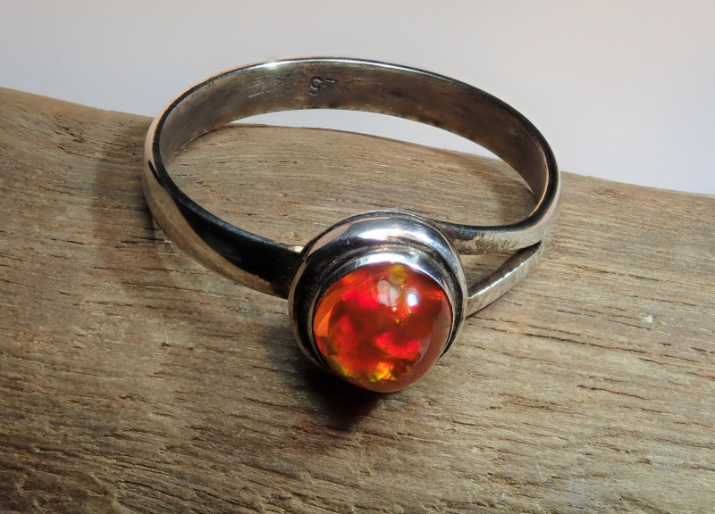 6 sz Mexican Fire  Opal Sterling Silver Ring
