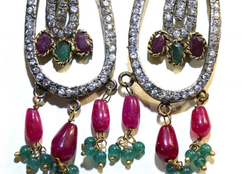 87CTS VINTAGE DESIGN RUBY-EMERALD ZIRCON EARRINGS  SG-282