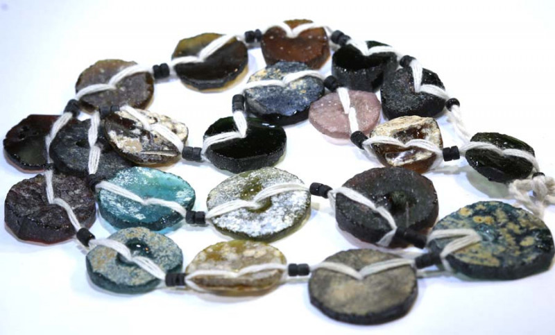 79 CTS ANCIENT ROMAN GLASS DRILLED STRAND  SG-871
