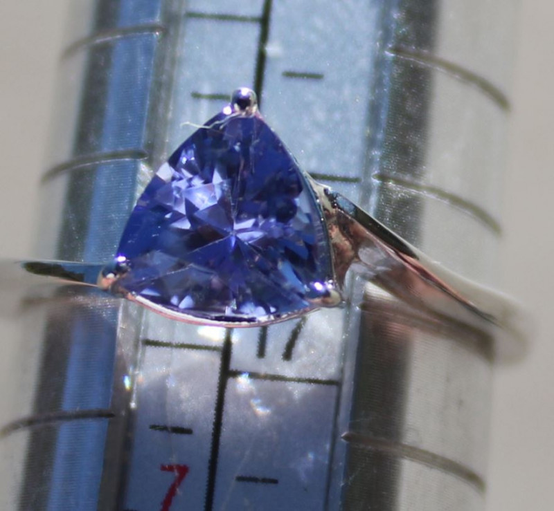 Tanzanite 1.20ct 18K Solid Gold Ring,Certified and Appraised,Brand New
