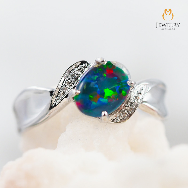 Opal Triplet set in 18k yellow gold ring size 7 - RO6
