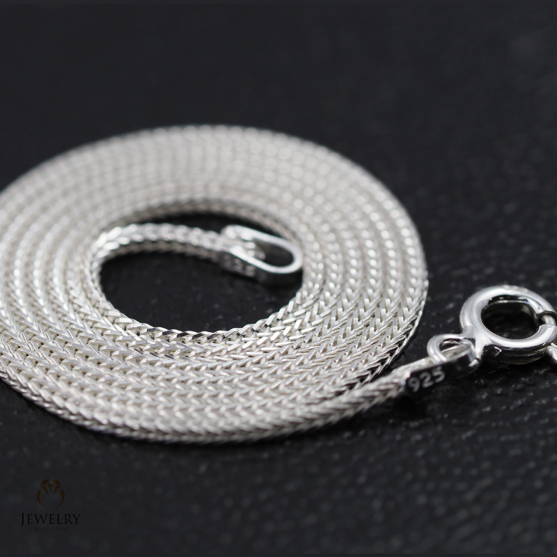 18 Inch, 45 cm 1.1 x 1.0  mm Long  Snake  Silver chain . AM 948