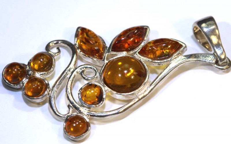 23.12 CTS AMBER SILVER PENDANT  SG-2103