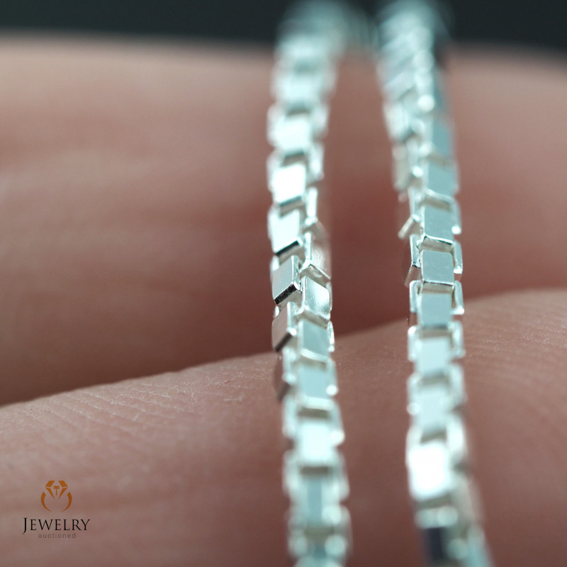 18 Inch, 45 cm 1.2 x 1.2   mm Box  Silver chain . AM 1031