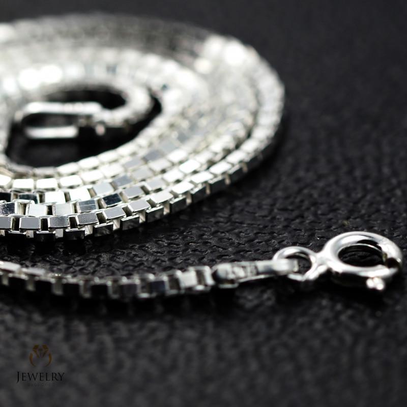 18 Inch, 45 cm 1.2 x 1.2   mm Box  Silver chain . AM 1040
