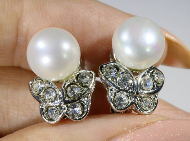 9x9 mmFresh water Pearl French clasp  Earring  AM 1045