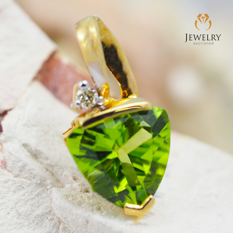 18K Yellow Gold Peridot & Diamond Pendant - 24 - D P4445C 1850 B