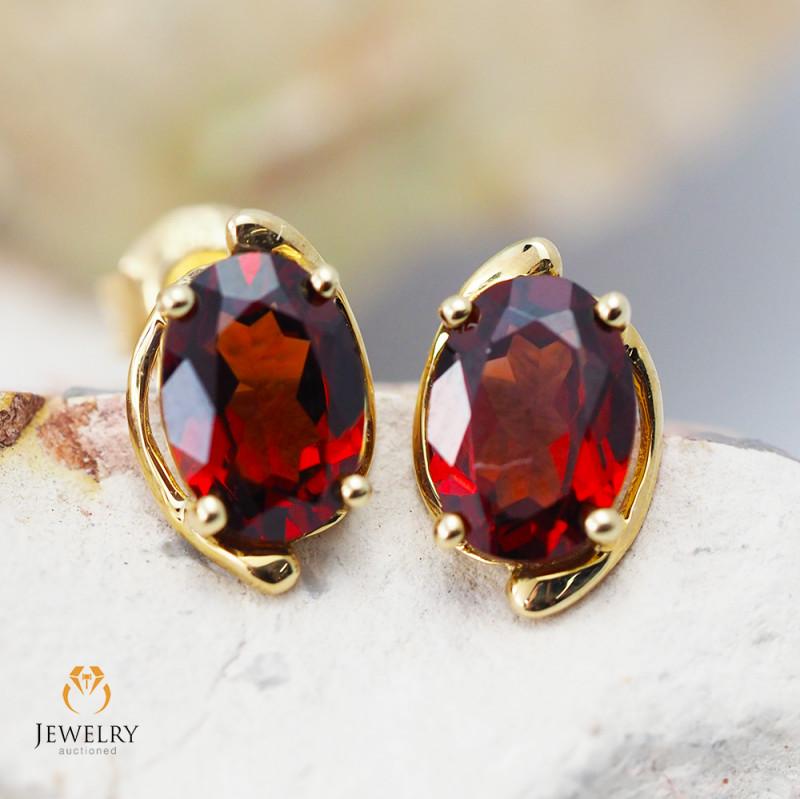 14 K Yellow Gold Garnet Earrings - 43 - D E11391 1300