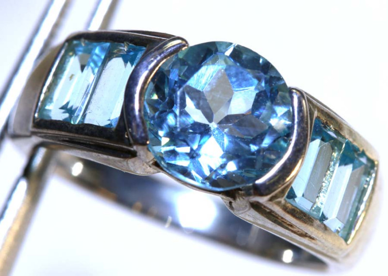 20 CTS TOPAZ SILVER RING SG-2505