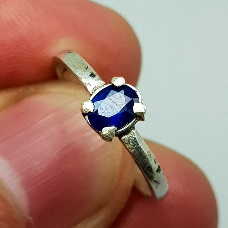 Natural Blue Sapphire 6.65 Carats 925 Silver Ring