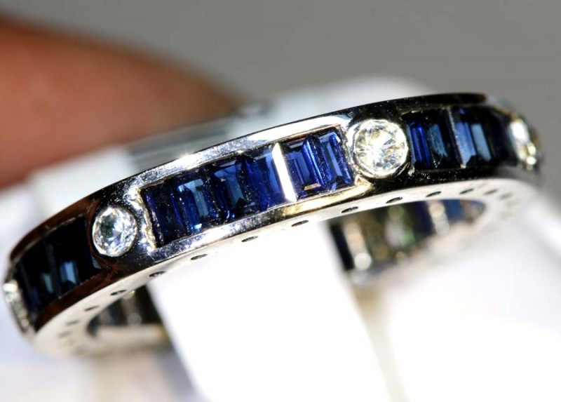 15 CTS SAPPHIRE RING BLUE AND WHITE SG-2632