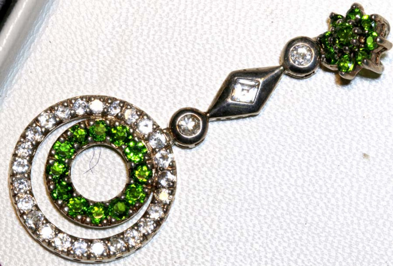 24.03CTS - NATURAL CHROME DIOPSIDE PENDANT  SILVER  SG-3011