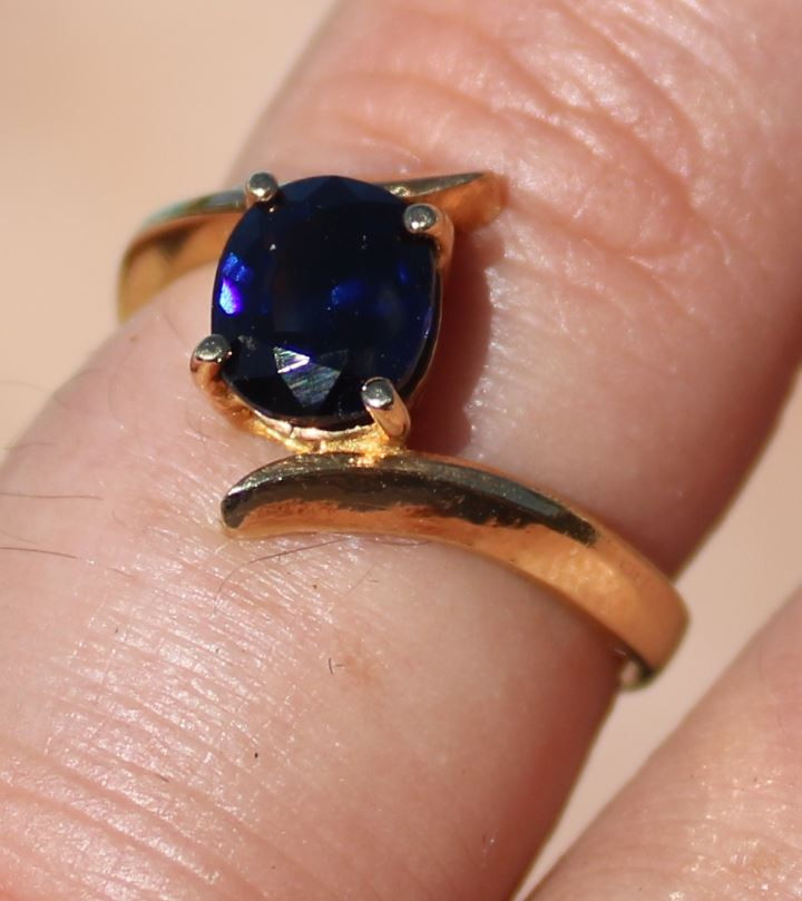 Certified Blue Sapphire 1.55ct Solid 22K Yellow Gold Solitaire Ring