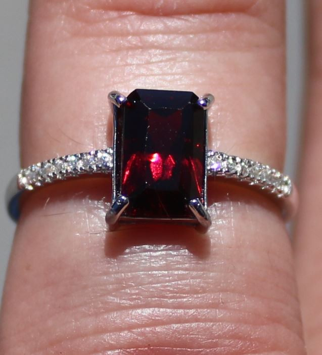 Red Garnet 1.80ct White Gold Finish Solid 925 Sterling Silver Ring