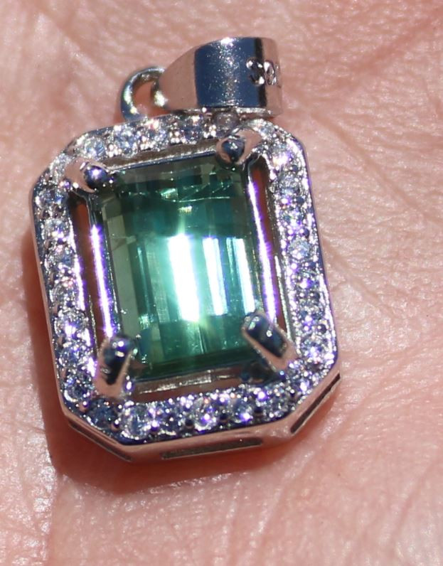 Green Tourmaline 1.96ct, White Gold Finish, Solid 925 Sterling Silver Penda