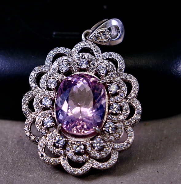 42.10 Cts Unheated & Natural ~ Purple Pink Kunzite Silver Pendant
