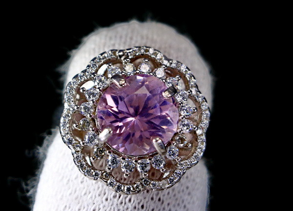 28.55 Cts Unheated & Natural ~ Purple Pink Kunzite Silver Ring