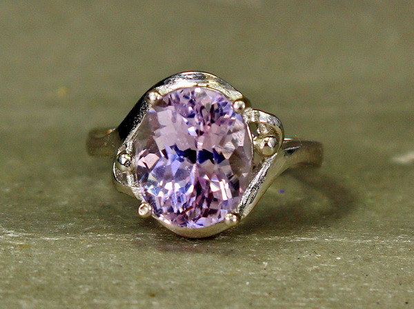 16.25 Cts Unheated & Natural ~ Purple Pink Kunzite Silver Ring