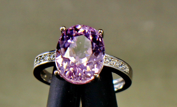 19.70 Cts Unheated & Natural ~ Purple Pink Kunzite Silver Ring