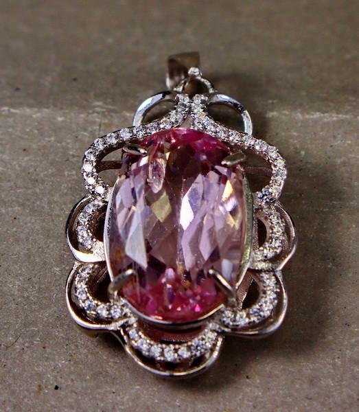 26.55 Cts Unheated & Natural ~ Purple Pink Kunzite Silver Pendant