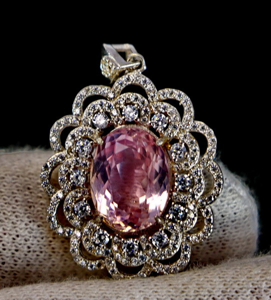 41.30 Cts Unheated & Natural ~ Purple Pink Kunzite Silver Pendant